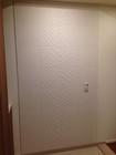 玄関にニュートランスのホワイトを部分貼