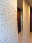 玄関にグラナスヴィストのホワイトとオーダーミラー