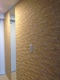 玄関にランド土もの調(アイボリー)とミラーのコラボ貼り