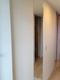 玄関にアレッシュ(ホワイト)とミラーのコラボ貼り