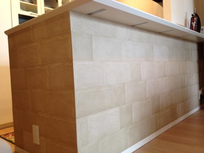 キッチンカウンター下にロックⅡ(ベージュ)をL字施工