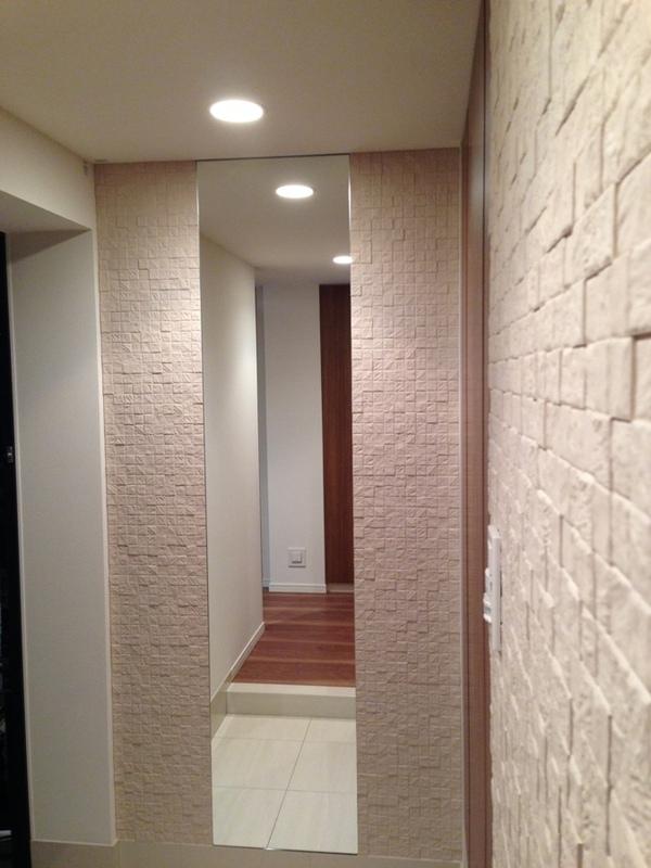 玄関 カッセ(アイボリーベージュ)とミラーのコラボ施工