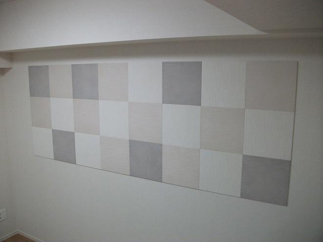 色と市松貼りで上品で個性的な壁に