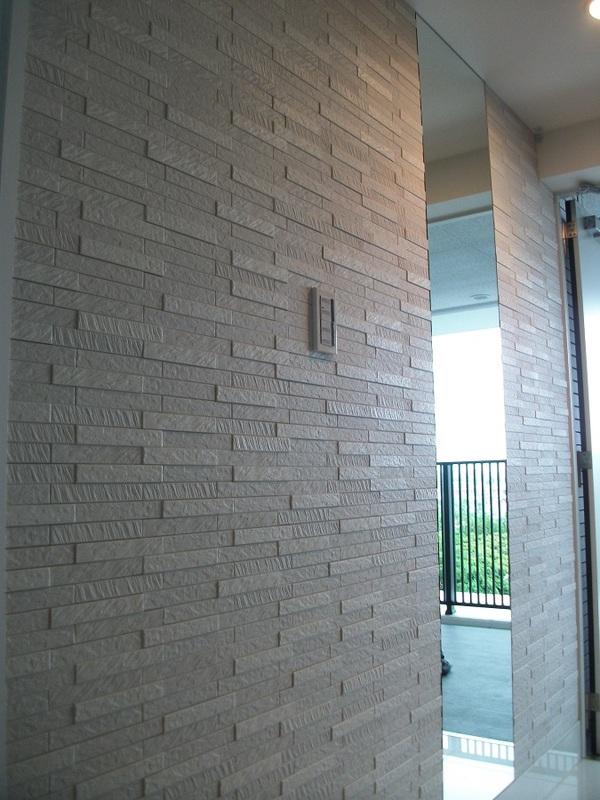 ルドラ(ホワイト)×ミラーで洗練された玄関に
