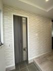玄関にグラナスルドラのホワイト