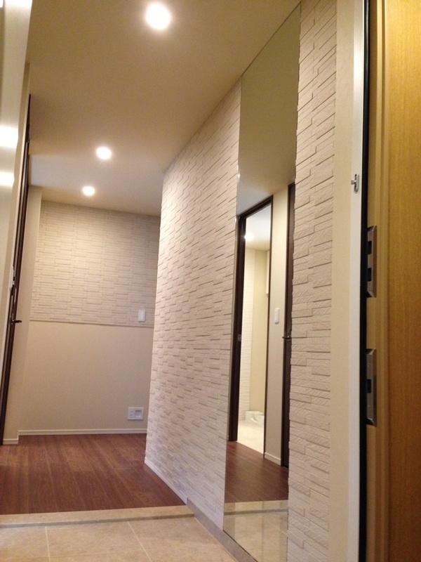 玄関と廊下にグラナスルドラのベージュ