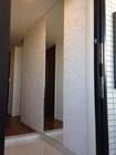玄関にグラナスハルトのホワイトと600mmのオーダーミラー