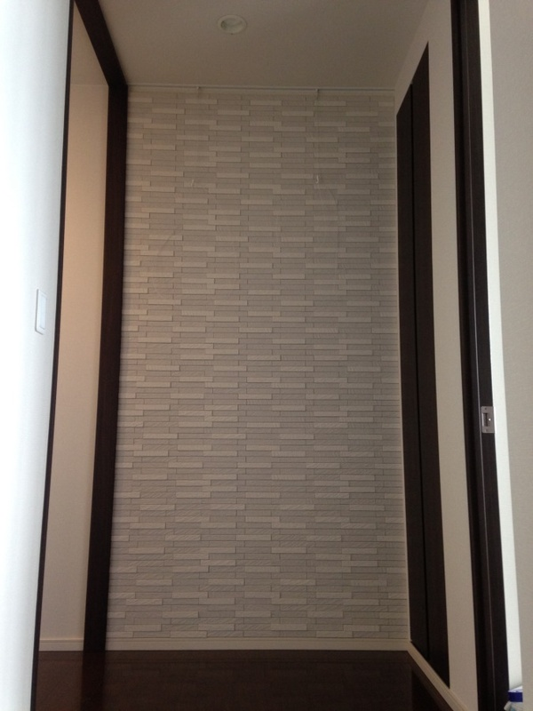 廊下にグラナスルドラのホワイト