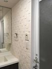 洗面室にキルトのホワイト、神奈川県川崎市マンション