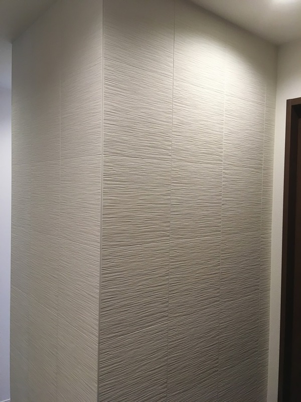 廊下の3面にたけひごのホワイト
