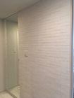 玄関にオーダーミラーとグラナスハルトのホワイト