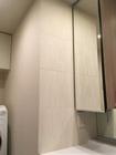 洗面室にリブミックスのホワイト