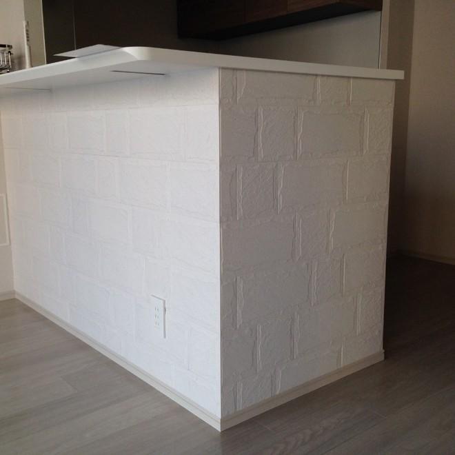 キッチンカウンター下にロックⅡのホワイトをL字で