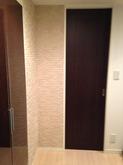 思っていたよりも短時間で施工して頂きました。部屋の雰囲気が変わるだけでなく、湿気や匂いもとってくれるので良いと思います。
